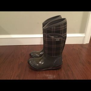 Bogs Olive Plaid Tall Waterproof boots 7/38